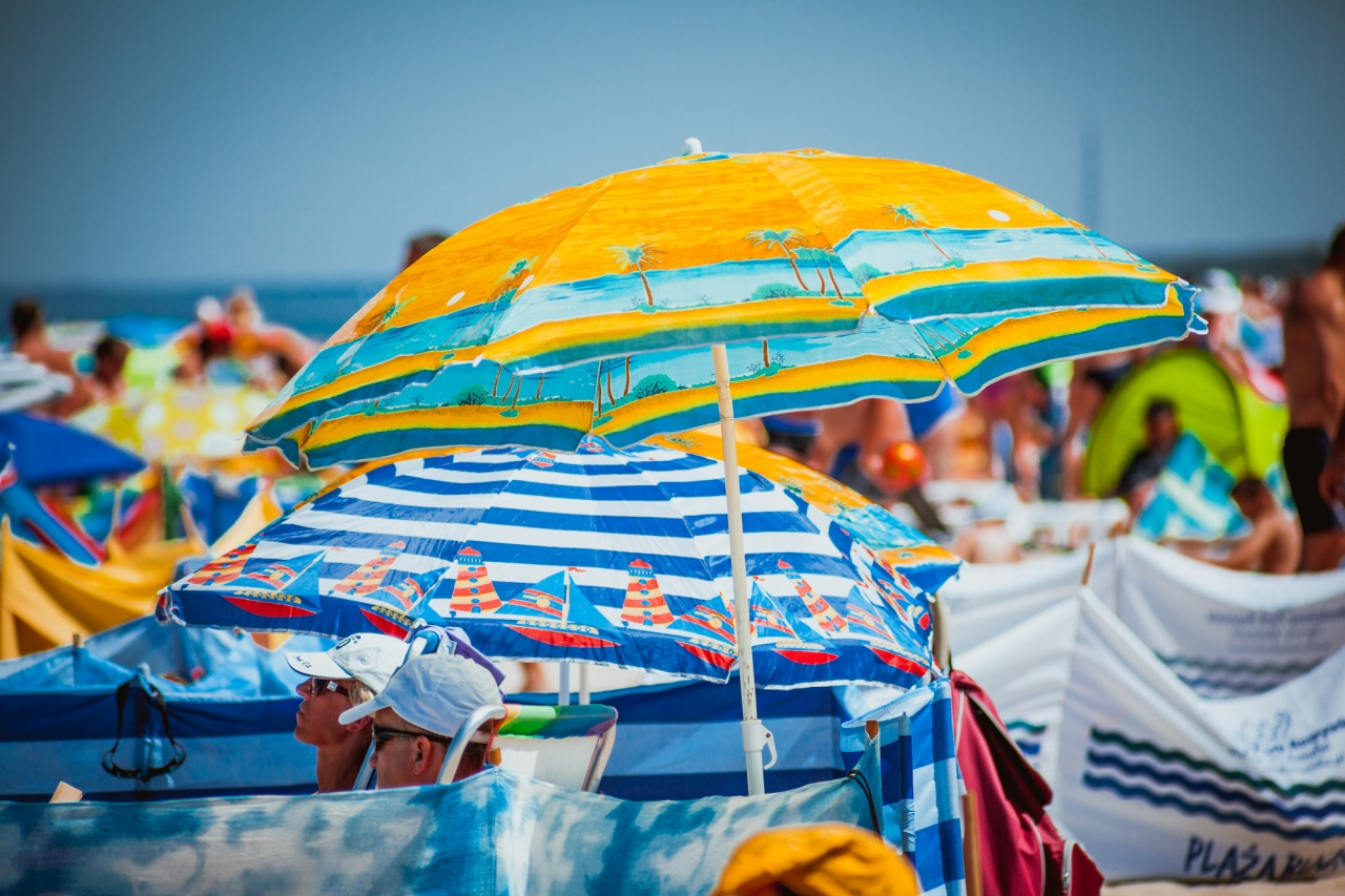 Zdjęcie główne #48 - Jak pięknie wyglądać na zdjęciu z plaży? 6 świetnych trików!